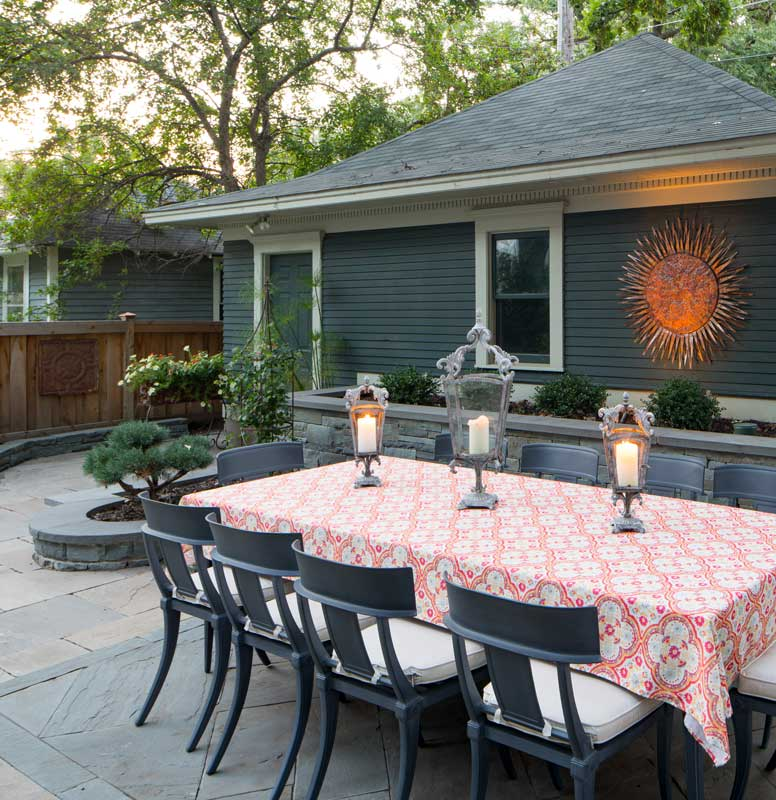 Outdoor Dining Area and Garden